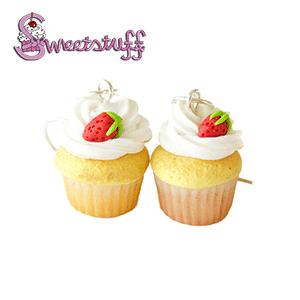 aardbei cupcake fimoklei oorbellen